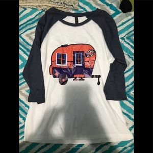 Tops - cute shirt !!